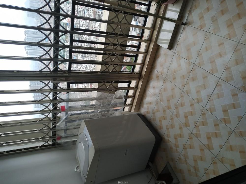 八里街房东首租~2房1厅,无中介费。广西师范大学附属中学隔壁