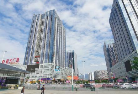 桂林北高铁始发站恒大广场精装公寓带家具家电出租,拎包入住