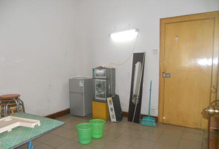 市中心信义路四楼空调好二房一厅一卫租900元家电家俱厨卫齐全