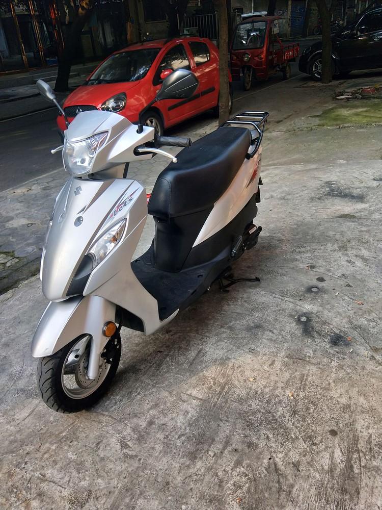 (此车已售别再问了),转让精品铃木QS110丅运动版摩托车
