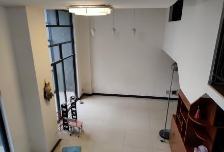 富景海派擎城电梯11楼复式,2室2厅1卫,户型方正,精装修,拎包入住,采光通风佳