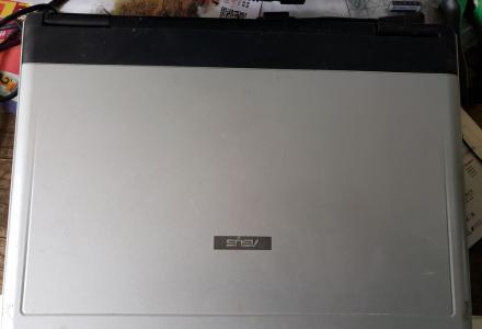 低价转一台15寸笔记本电脑。