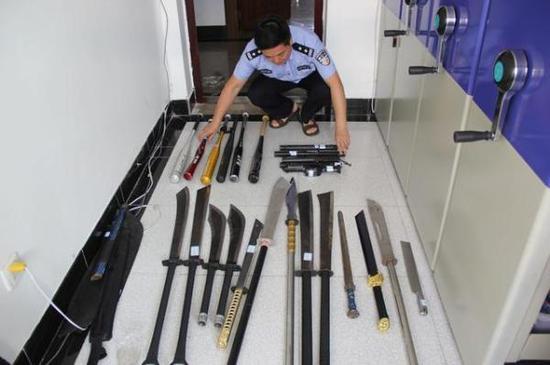 警方缴获的团伙作案工具 金华市公安局江南分局 图
