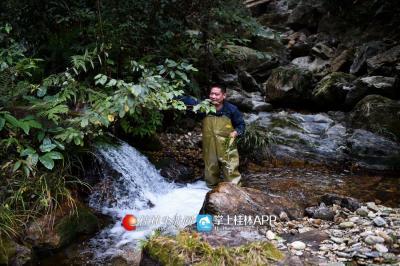 因为要保障水质,对水源头的护理就成了他的重点。