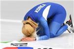 韩国冬奥女选手摘银却当场磕头道歉