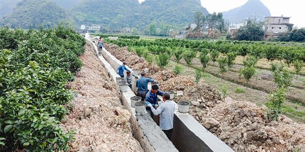 清理灌溉渠