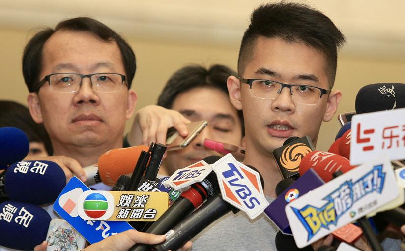 李敖儿子李戡(右)