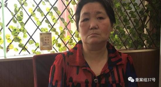 ▲2018年4月,王秀娥回忆自己遭受非法拘禁的情形。