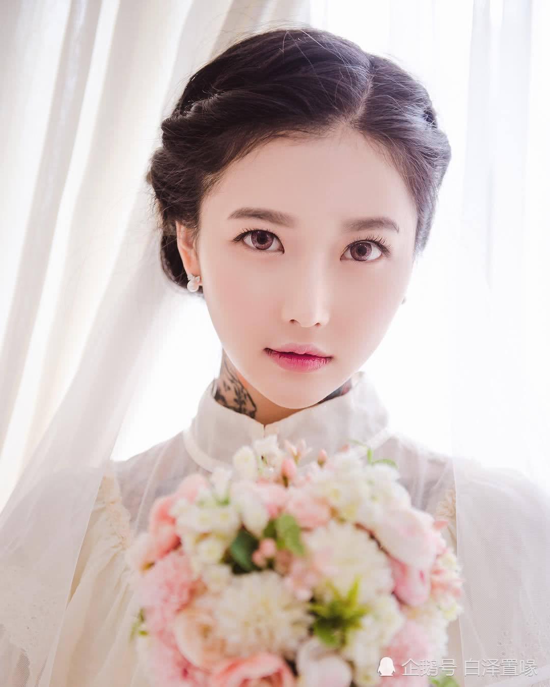 韩国美女拥有完美外貌,整容前照片却让网友惊讶(组图)