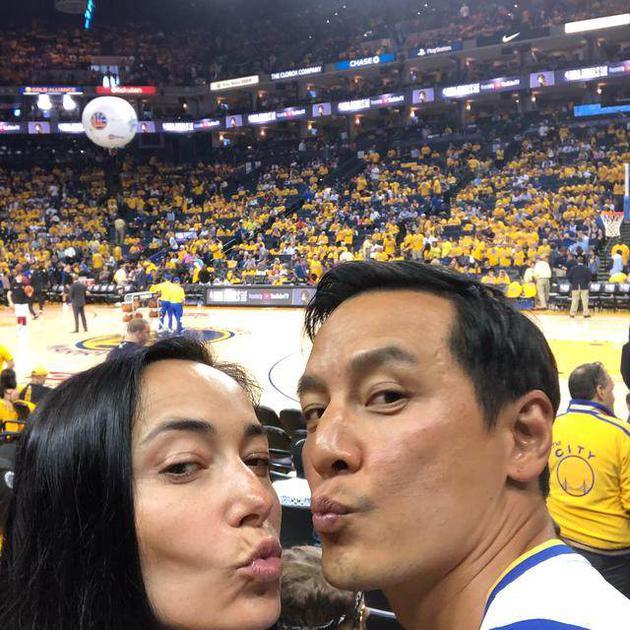 吴彦祖与妻子
