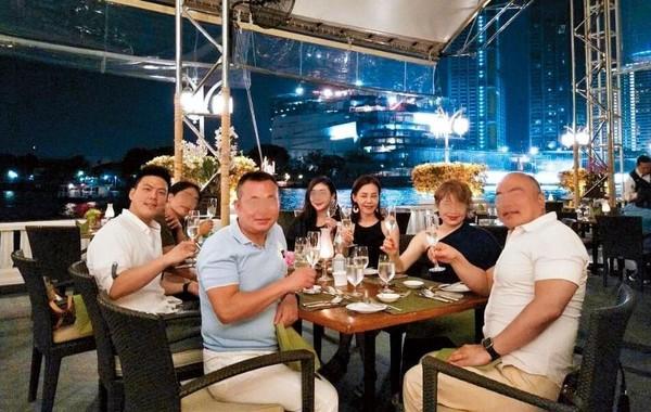 Ken Wu参加彭佳慧的庆祝会