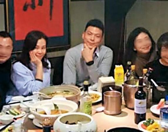 Ken Wu参加彭佳慧的庆祝会。