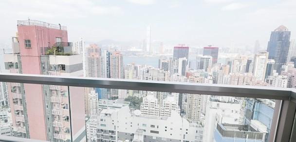 豪宅位于高层,可远眺维港风景