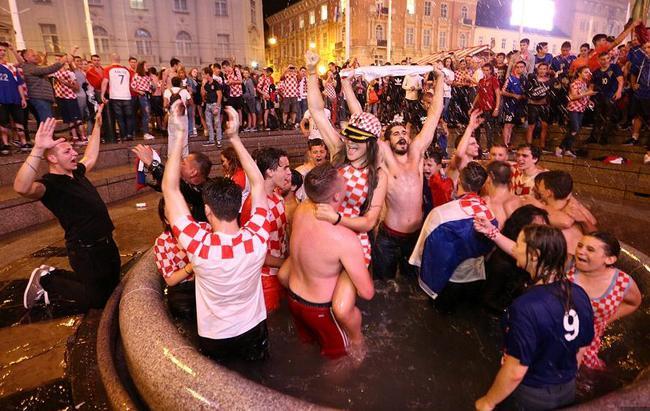 克罗地亚球迷,嗨了!