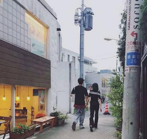 疑似郑爽与张恒出行