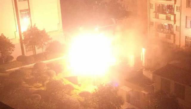 湖南一高校发生爆炸 学生一片尖叫