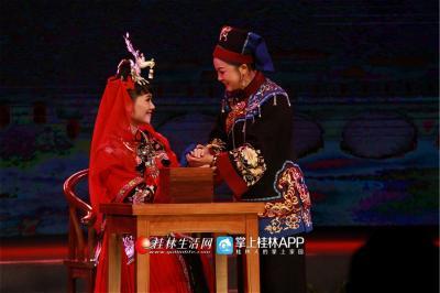 经典传统彩调剧《娘送女》,用八百多句的唱词,道出了一个母亲对出嫁女儿的谆谆教诲。