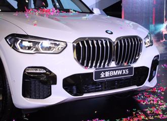 全新BMW X5桂林耀然上市