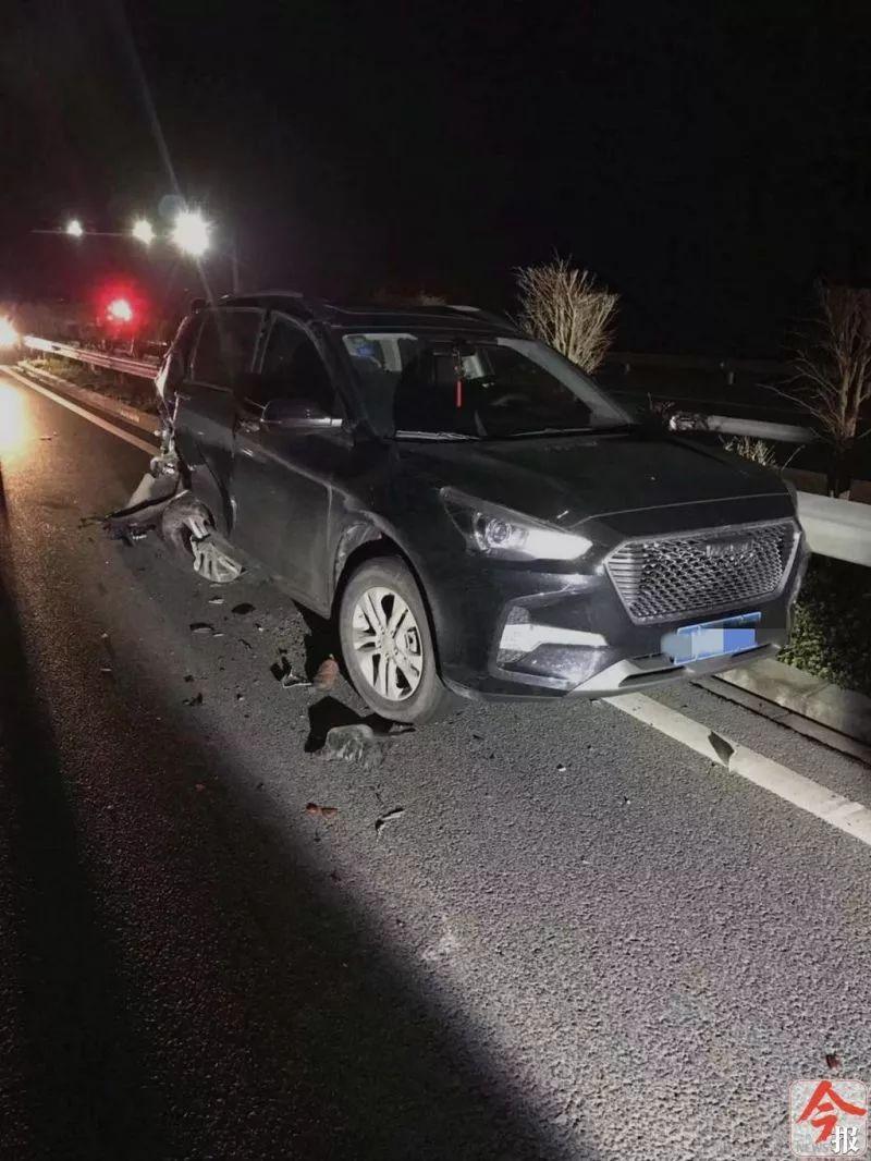 两男子下车指挥交通,结果1死1伤!