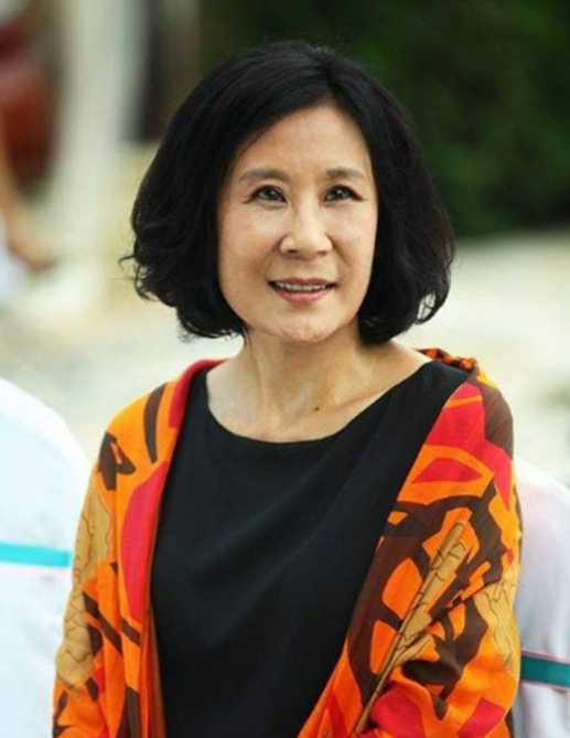 歌唱家苏小明被曝饭局上大爆粗口 网友:偷拍者小人