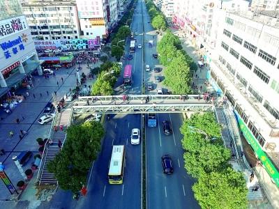 北极广场天桥.jpg