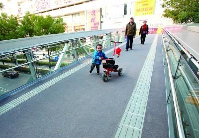 会展中心天桥.jpg