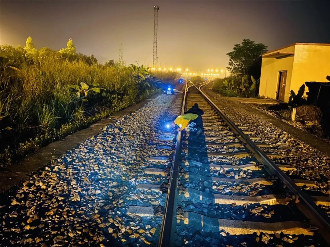 玉林北流地震,铁路部门紧急扣停9趟列车