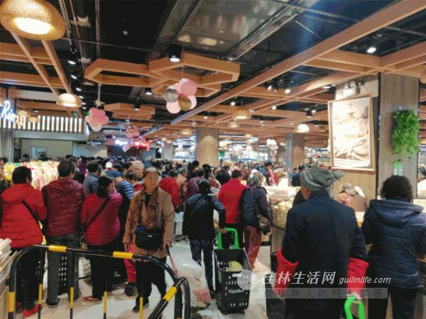 人山人海!DT·时代广场主力店汇上佳超市正式开业!