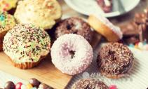 女性贪吃糖会给身体惹上2个麻烦,皮肤变差还是轻的