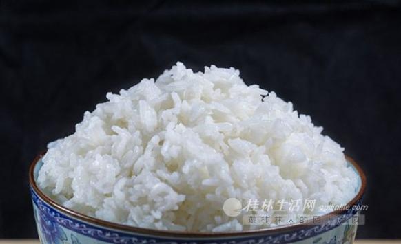 长期吃米饭和面食,哪个更有营养?从4个方面告诉你答案