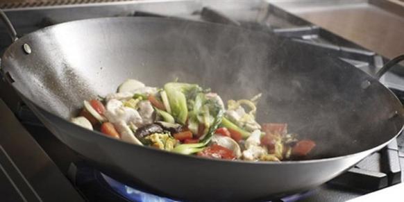 容易致癌的7种做菜习惯,每个中国家庭都很常见