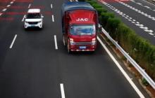 7月20日起!货车在该高速不靠最右行驶将被罚!