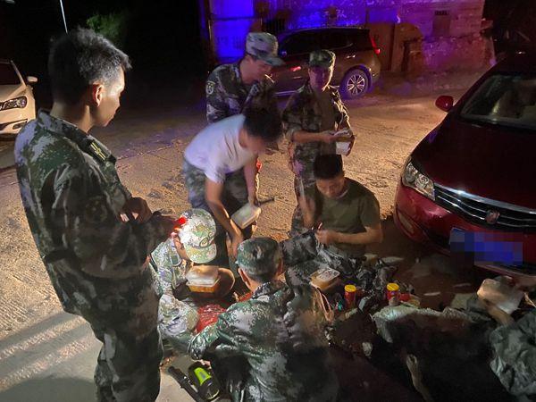 直擊曾春亮抓捕現場:武警公安民兵布控