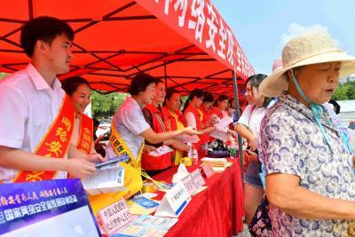 钦州网络安全宣传周启动仪式现场宣传