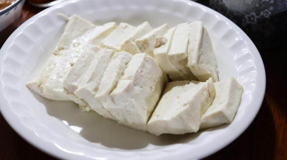 豆腐配一宝,营养赛过人参好!这三种吃法,比肉香!