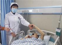 """南溪山医院热心门诊护士一个上午连""""救""""三人"""