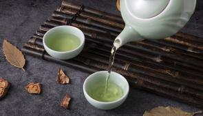 茶叶正当季丨说说喝茶、挑茶、贮藏茶的门道
