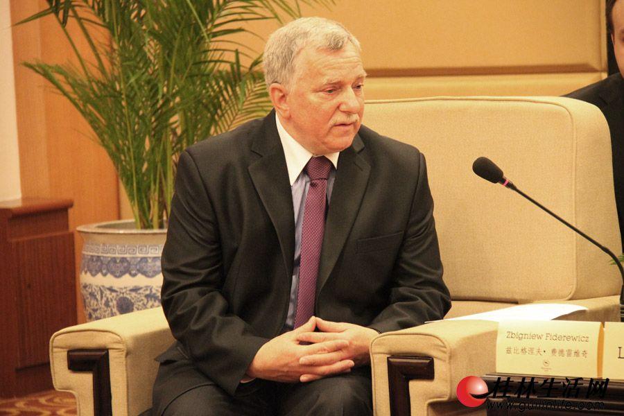 波兰托伦市常务副市长、波兰代表团团长兹比格涅夫·费德雷维奇。