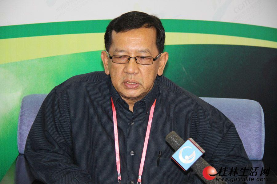 马来西亚旅游局华南区处长瓦希德,接受媒体专访。