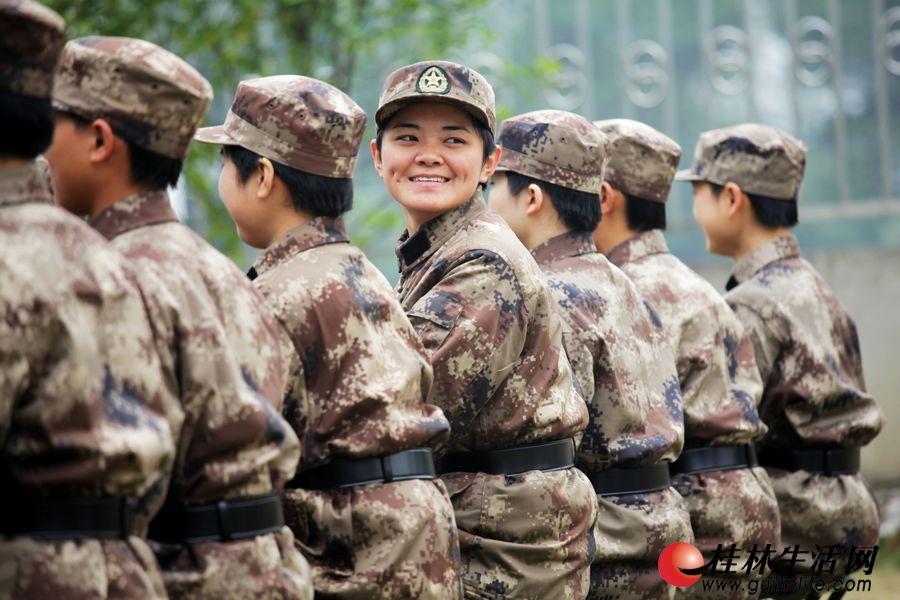 """桂林军营里的""""90后""""女兵-桂林生活网图片新闻"""
