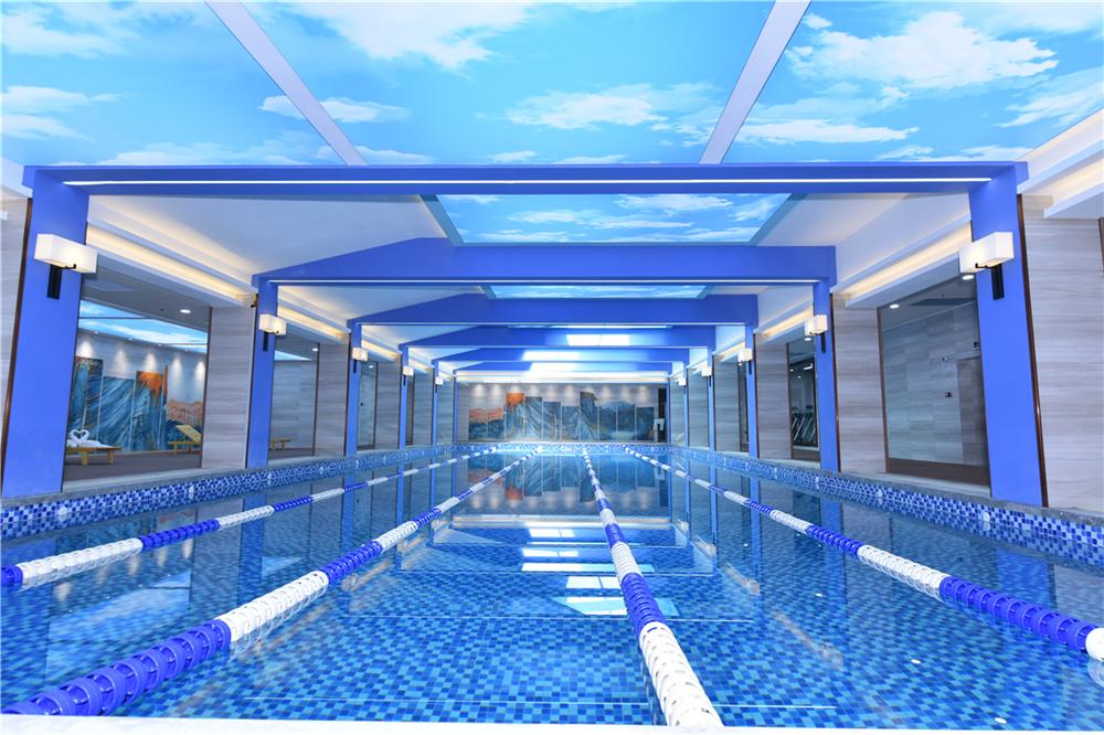恒温泳池实景图