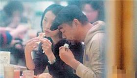"""刘青云夫妇两年不拍戏成天价""""拆迁户"""""""