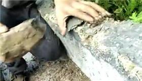 引水工程水渠一敲就碎 徒手能扳下水泥