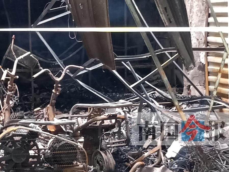 夫妻店起火,殃及64岁的房东一家人