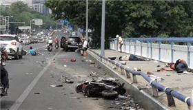 柳州伤人案最新进展:杀女友家4人后撞路人