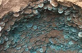 陕西工地发现10万枚古币 重920斤