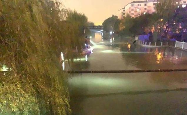 女孩跳河两男子下水救人均溺亡
