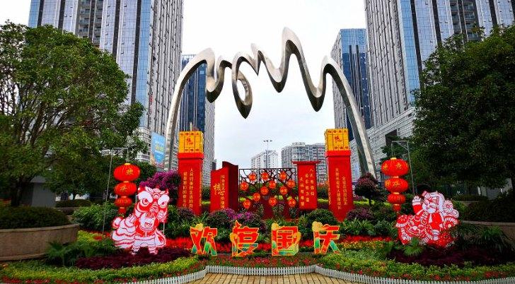 53万盆鲜花扮美桂林街头